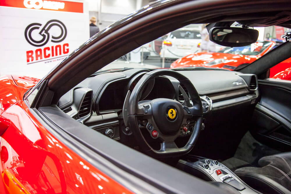 Moto Sport & Tuning Show 2015 go-racing Ferrari