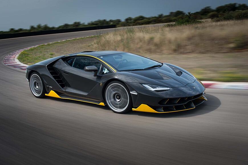 Lamborghini-Centenario-LP-770-4-front-three-quarter-in-motion-10