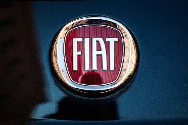 marki samochodów — logo FIAT
