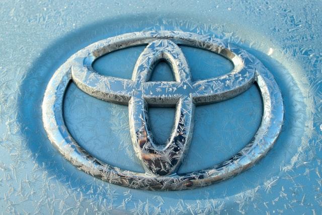 logo samochodów toyota