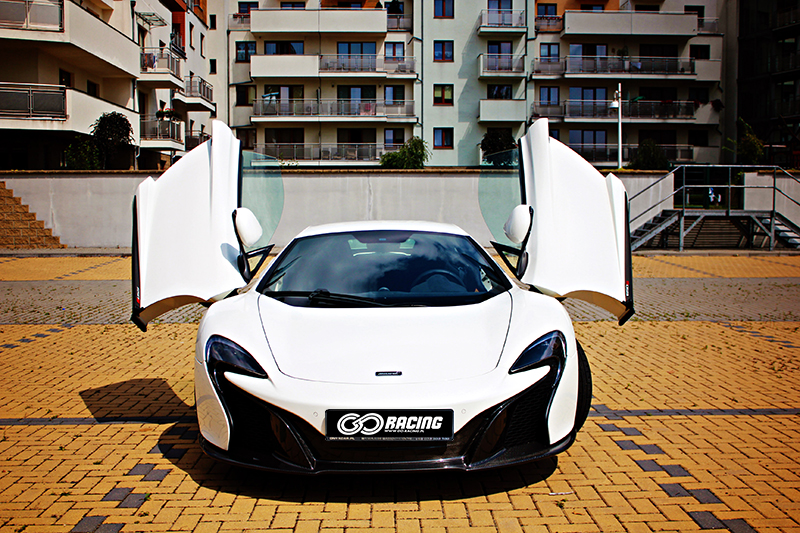 Mclarenem 650S do ślubu